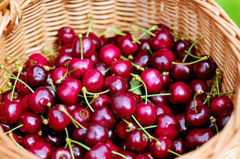 upload/newsy/2600/cherries-1453333-1920_medium.jpg