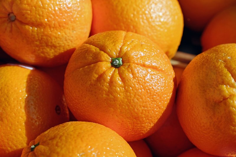 upload/newsy/2771/oranges-2100108-1280_medium.jpg