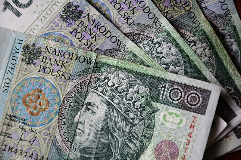 upload/newsy/2996/euro-banknotes-3212757-1280_medium.jpg