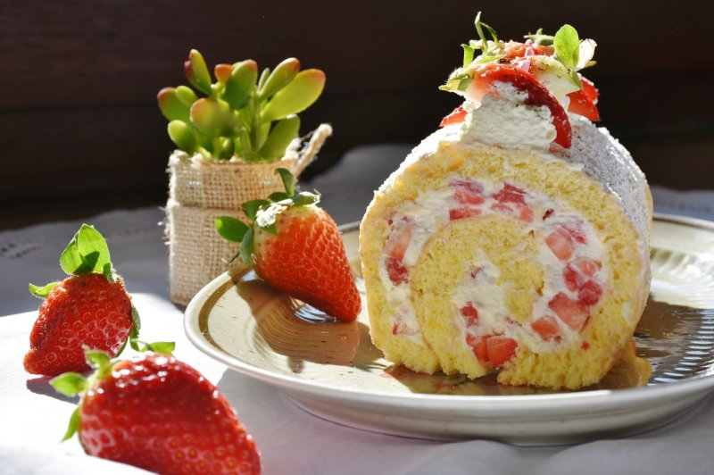 upload/newsy/3180/strawberry-roll-1263099-1280_medium.jpg