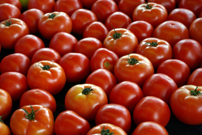 upload/newsy/3199/farm-market-tomatoes-3612971-1280_medium.jpg