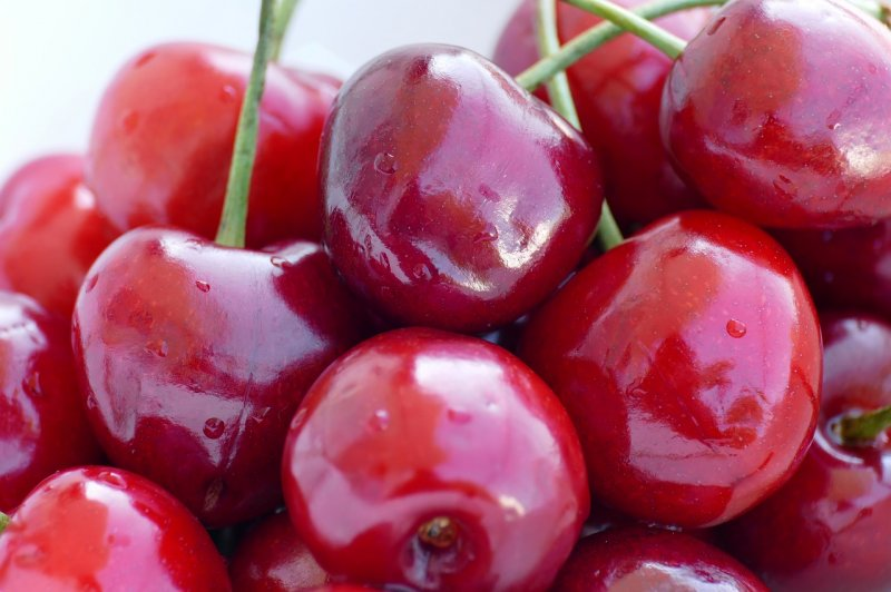 upload/newsy/4502/sweet-cherries-5245954-1280_medium.jpg