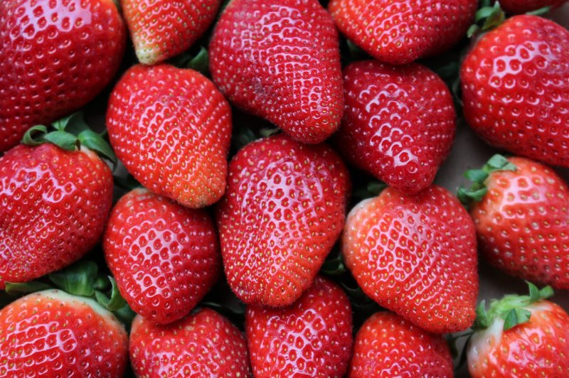 upload/newsy/4637/strawberries-1395771-1280_medium.jpg