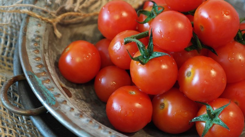 upload/newsy/4678/tomatoes-2559809-1280_medium.jpg